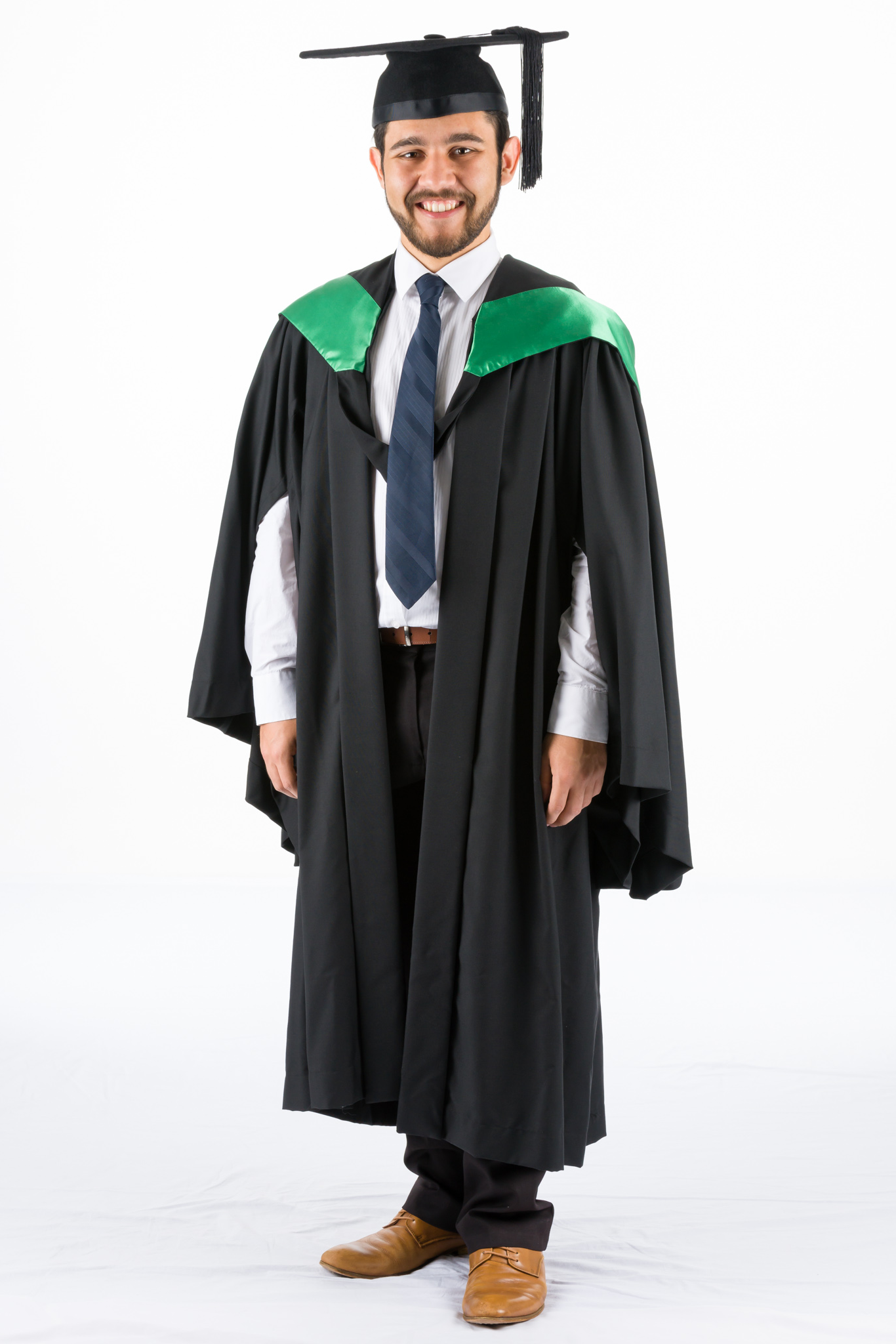 QUT & UQ graduation gowns academic dress Bachelor Masters ...